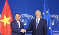 フック首相、EUの高官らと会見