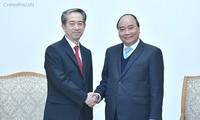フック首相、中国やデンマーク大使と会見