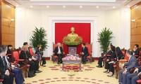 中央宣伝教育委員長、SPの副首相と会見