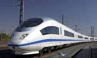 联接中国与东盟的国际铁路大通道全线铺通