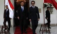 中国与东盟各国加强合作关系