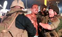 美国国民警卫队从弗格森镇撤离