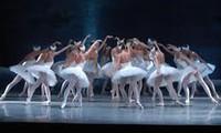 春天歌舞剧表演在河内举行