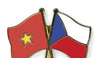 越南驻捷克大使馆举行越捷经济合作企业座谈会