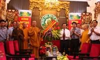 越南佛教僧众信徒为首都发展事业作出贡献