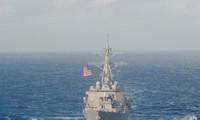 美国军舰进入中国在东海非法建设的人工岛12海里海域