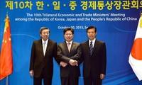 中日韩推动三方自贸协定谈判