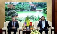 越南积极完善各项《宗教信仰法(草案)》和《结社法(草案)》