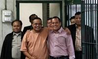 泰国逮捕两名红衫军领袖