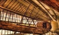 捷克考古学家在埃及发现一艘古代木船