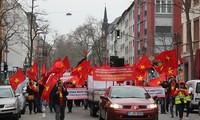 旅德越南人游行反对中国在东海的行为