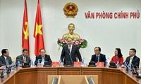 阮春福会见越南消费品发展协会代表团