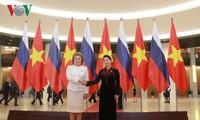 越南和俄罗斯国会加强监督配合和落实各项合作文件