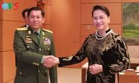 阮氏金银会见缅甸国防军总司令敏昂莱