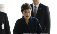 韩国政治丑闻:对前总统朴槿惠的当面讯问结束
