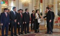 阮氏金银会见匈牙利总统阿戴尔和总理欧尔班