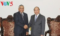 阮春福会见来访的印度外交部国务秘书辛格