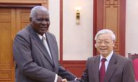 维护与培育越南古巴特殊团结友好情谊