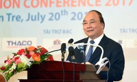 阮春福:槟知省要力争成为全国富裕和活跃省份及越南的椰子之都