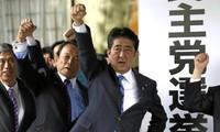 日本首相安倍晋三的执政联盟在众议院选举中获胜