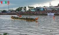 祭月节赛龙舟——南部高棉族的特色文化