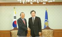 推动越韩全面合作关系发展