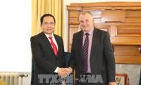 新西兰希望扩大和巩固与越南的关系