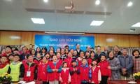 中国小记者代表团访越传承越中友谊