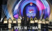 纪念越南胡志明共青团成立87周年的各项活动在国内外举行