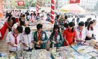 雄王祖地书节和富寿省风情艺术摄影展在越池市举行