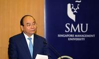 阮春福圆满结束对新加坡的正式访问和出席第32届东盟峰会行程