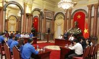 中央机关系统共青团组织举行遵循胡志明主席教导先进青年表彰会