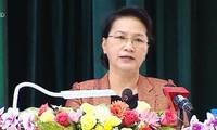 国会主席与芹苴市第九军区选民接触