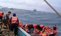 泰国普吉岛沉船事故:找到幸存者的可能性不大