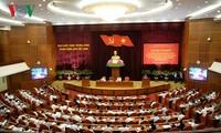 继续推动基层民主制度建设和落实全国会议举行