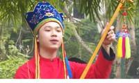 热衷于滩伦丁琴艺术的年轻小伙陈成安