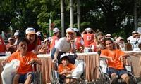 胡志明市举行为了橙剂受害者和贫困残疾人的步行活动