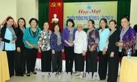 邓氏玉盛出席第八区妇女传统见面会