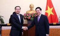范平明会见中国重庆市市长唐良智