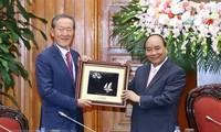 越南政府总理阮春福会见韩国产业联合会主席许昌洙