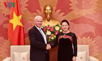 越南国会主席阮氏金银会见匈牙利最高检察院检察长博尔特•彼得