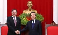 越共中央经济部部长阮文平会见中国共产党代表团