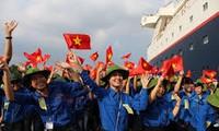 越南青年与东南亚和日本青年船代表交流