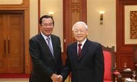柬埔寨首相洪森结束对越南的访问