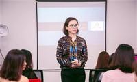 对接和扩大旅新越南妇女经营活动的人——南希·阮