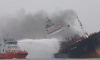 继续保护在香港海域失事的越籍油轮上的公民