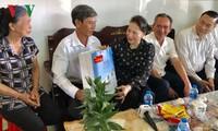越南党 国家领导人向全国各地同胞致以新春祝贺