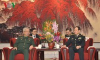阮志咏会见中国国防部部长魏凤和