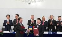 打开越南与罗马尼亚和越南与捷克的新合作空间
