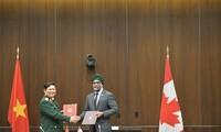 国防合作有助于丰富越南-加拿大全面伙伴关系